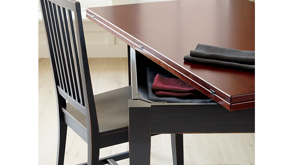 Flip Small Bruno Dining Table