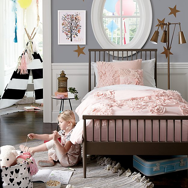 Adorable Full Kids Bedroom Set For Girl Playful Room Huz: Fresh Cut Floral Girls Bedding