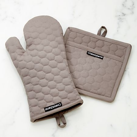 Grey Quilted Oven Mitt And Pot Holder