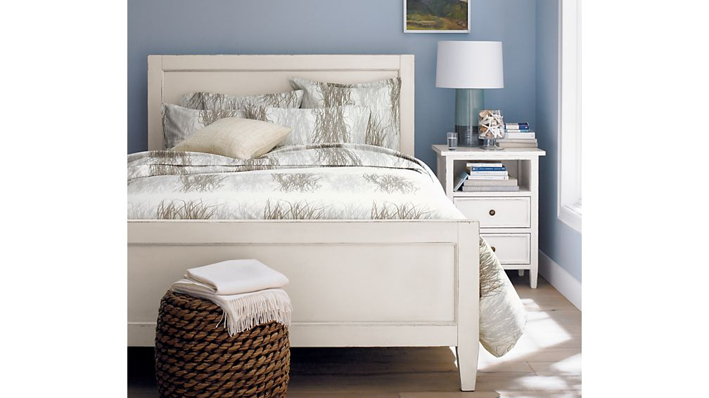 Harbor White Queen Bed