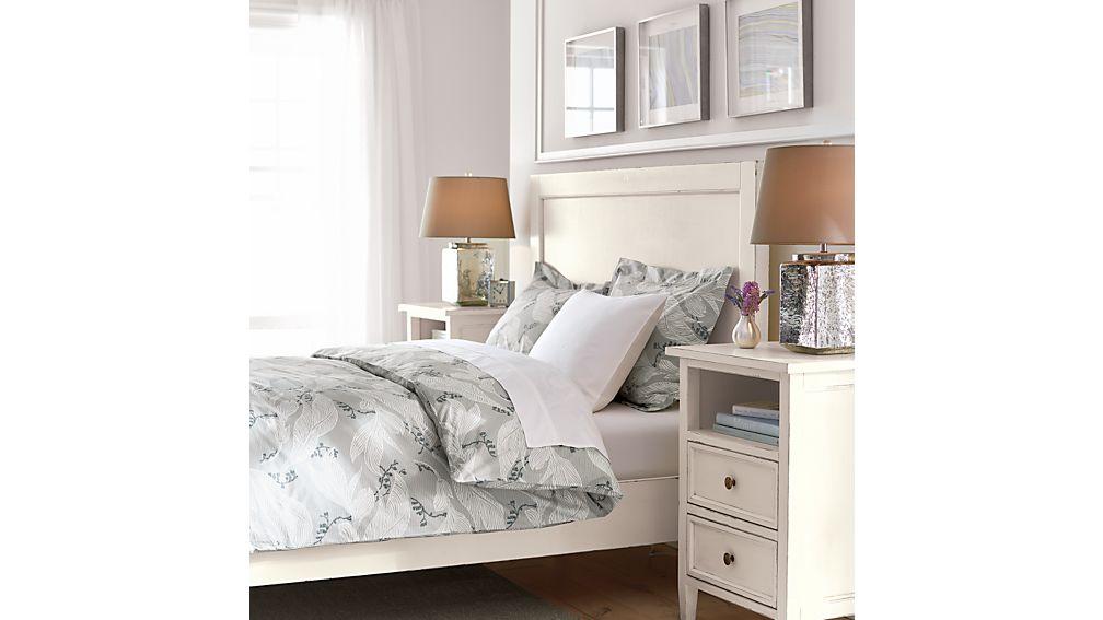 Harbor White Full Bed