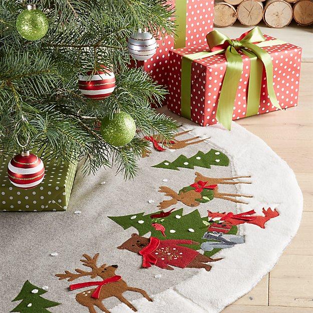 holiday critter felt tree skirt reviews crate and barrel. Black Bedroom Furniture Sets. Home Design Ideas
