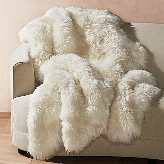 "Ivory Sheepskin Throw 64""x70"""