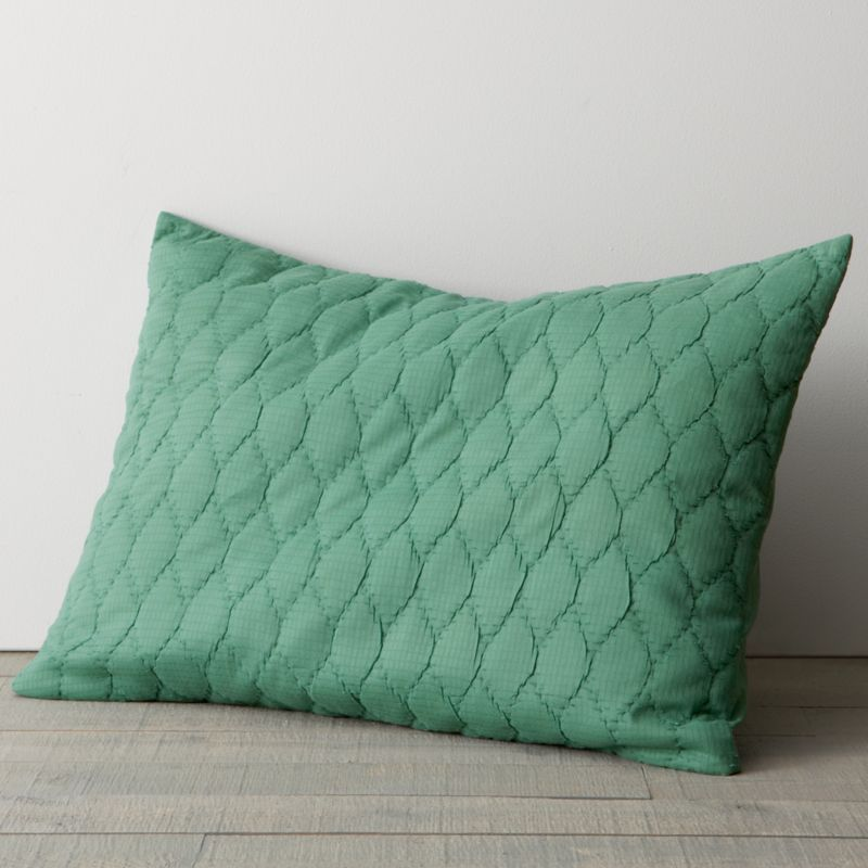 Trellis-stitched quilt textures an expanse of deep, majestic jade with soft honeycombed puckers and the organic feel of 100% cotton. Reverses to self and has an envelope closure.<br /><br /><NEWTAG/><ul><li>100% cotton jacquard</li><li>100% polyester fill</li><li>Machine wash, gentle cycle; tumble dry low</li><li>Made in India</li></ul>