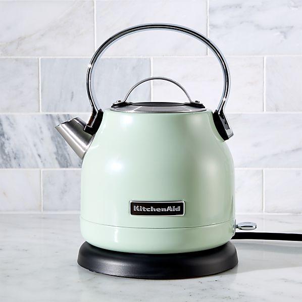 KitchenAid ® Pistachio Electric Kettle