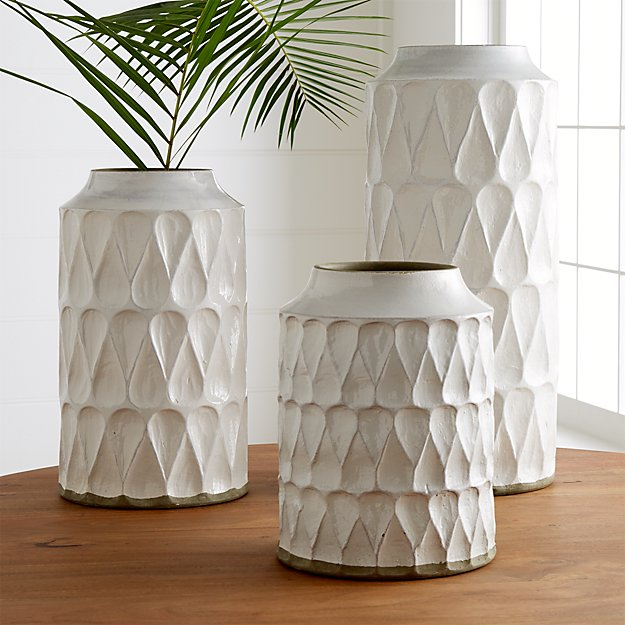 Kora Vases - Image 1 of 13