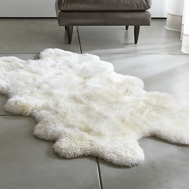 Ivory Sheepskin Throw Rug
