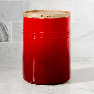 Exceptional Le Creuset Canister 2.5qt Canister With Wood Lid