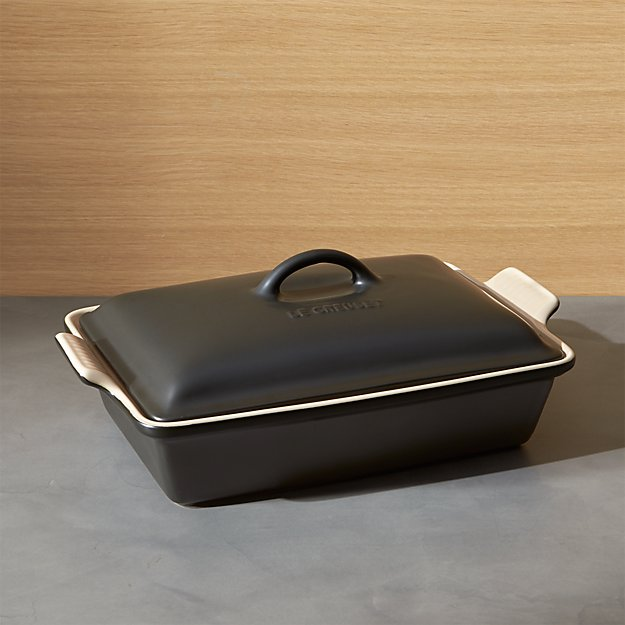 Le Creuset ® Heritage Covered Rectangle Licorice Black Baking Dish