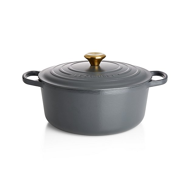 le creuset signature graphite grey round dutch oven in dutch ovens reviews crate. Black Bedroom Furniture Sets. Home Design Ideas