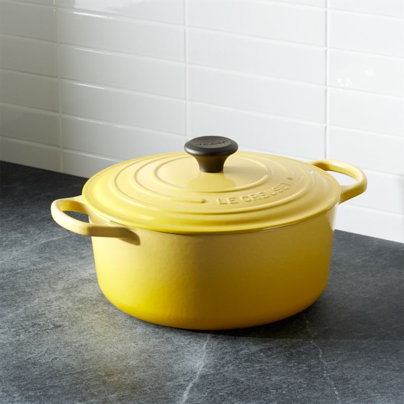 le creuset signature 5 5 qt round soleil dutch oven with lid in enamel cookware reviews. Black Bedroom Furniture Sets. Home Design Ideas