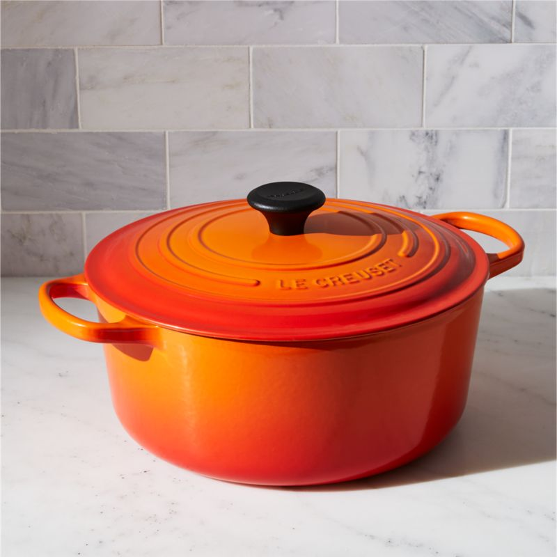 le creuset signature flame round dutch oven reviews crate and barrel. Black Bedroom Furniture Sets. Home Design Ideas