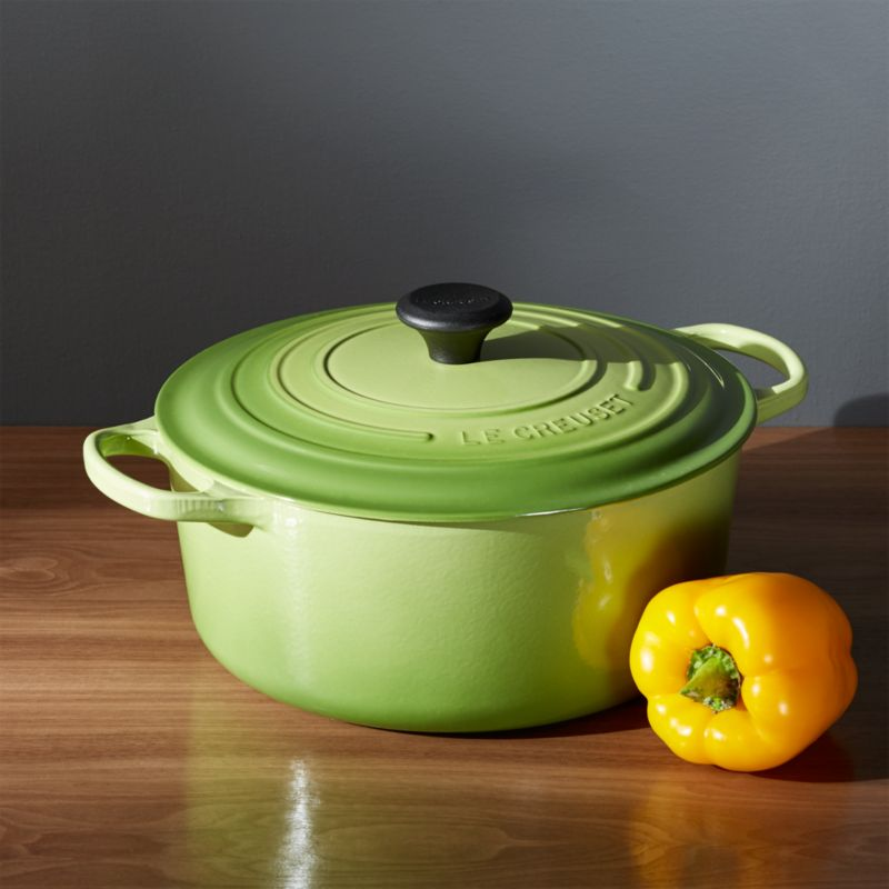 le creuset signature round palm dutch oven with lid reviews crate and barrel. Black Bedroom Furniture Sets. Home Design Ideas