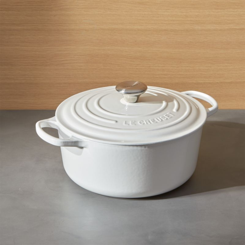 le creuset signature 5 5 qt round white dutch oven with lid reviews crate and barrel. Black Bedroom Furniture Sets. Home Design Ideas