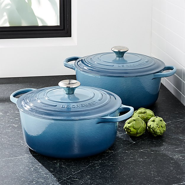 le creuset signature marine blue round french oven