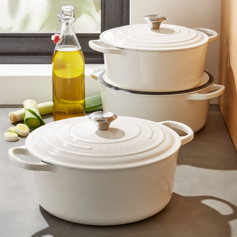 le creuset signature round white dutch ovens crate and barrel. Black Bedroom Furniture Sets. Home Design Ideas
