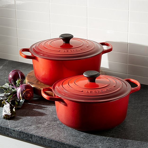 le creuset signature 5 5 qt round cerise red dutch oven with lid in individual cookware. Black Bedroom Furniture Sets. Home Design Ideas