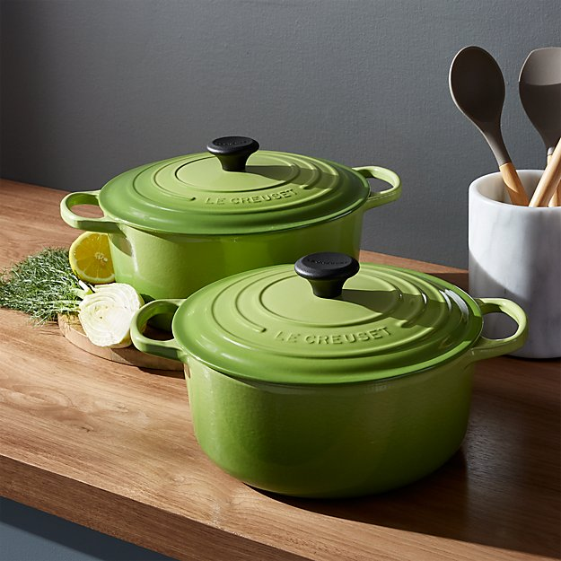 le creuset signature round palm dutch ovens crate and barrel. Black Bedroom Furniture Sets. Home Design Ideas