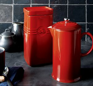 Le Creuset ® Cherry Red Coffee Storage Jar