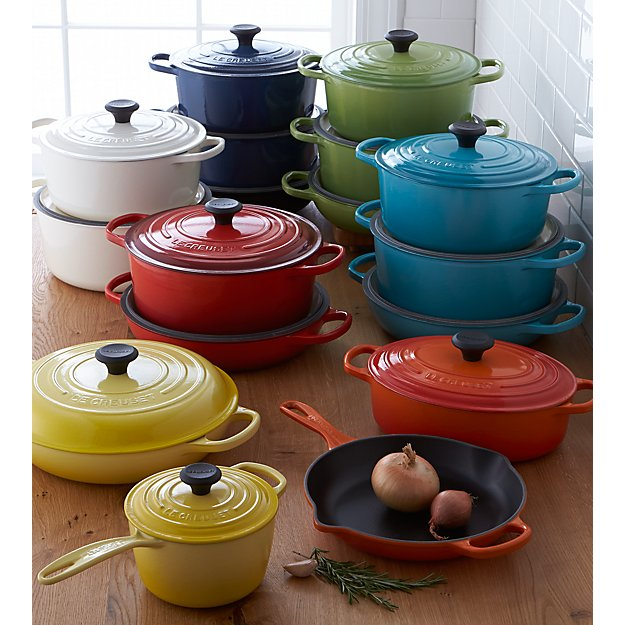le creuset signature 5 5 qt round ink dutch oven with lid reviews crate and barrel. Black Bedroom Furniture Sets. Home Design Ideas