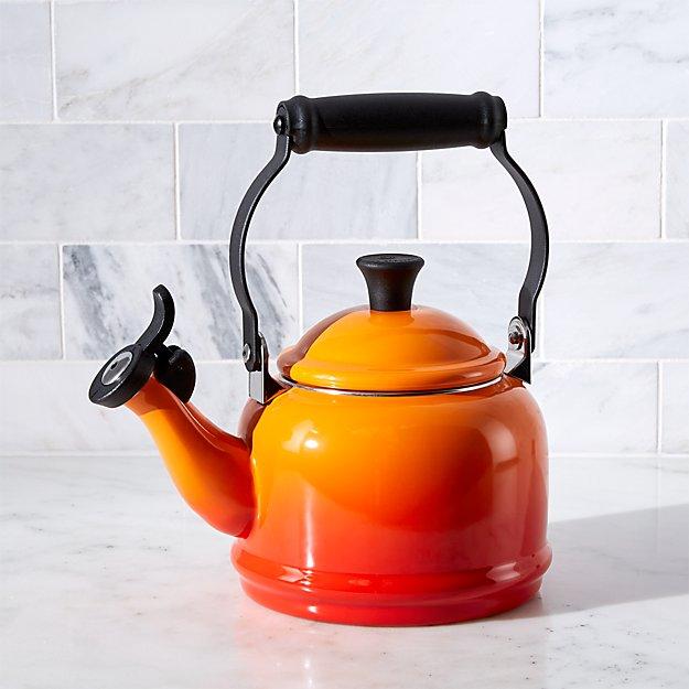 Le Creuset © 1.25-Qt. Demi Flame Tea Kettle