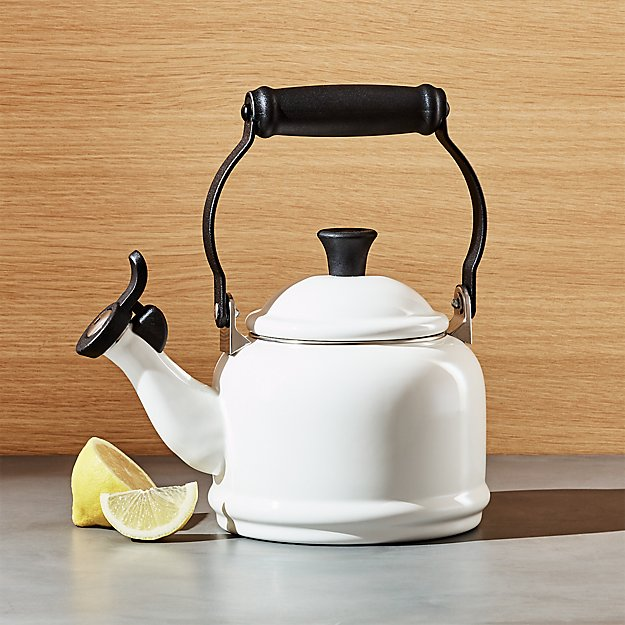 Le Creuset © 1.25-Qt. Demi White Tea Kettle