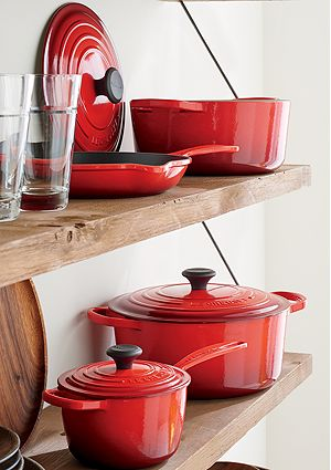 Le Creuset ® Signature 7.25 qt. Round Cherry Red French Oven with Lid