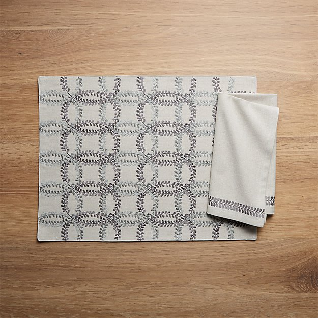Lindley Embroidered Placemat and Napkin