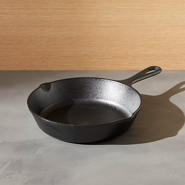 "Lodge ® Cast Iron 8"" Skillet"