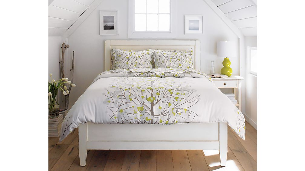 Harbor White Full Bed