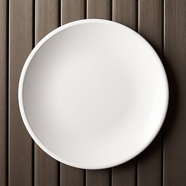 lunea melamine white 10 5 dinner plate reviews crate and barrel