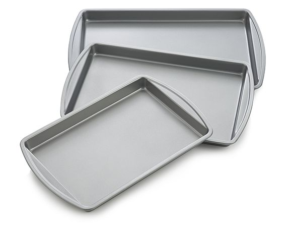 Metal non-stick baking pan