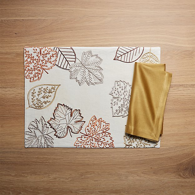 Maebry Embroidered Placemat and Sateen Gold Cloth Dinner Napkin