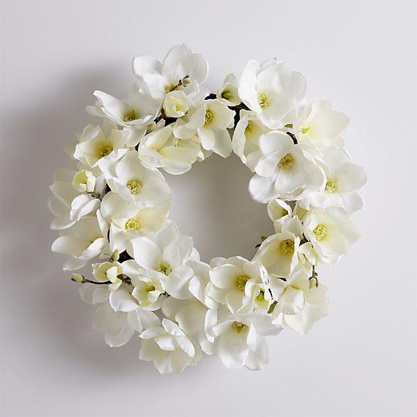 MagnoliaWreathWhiteNEWS17