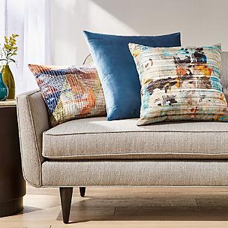 Lavinia Pillow Arrangement