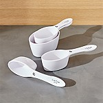 Magnetic White Measuring Cups, Set of 4