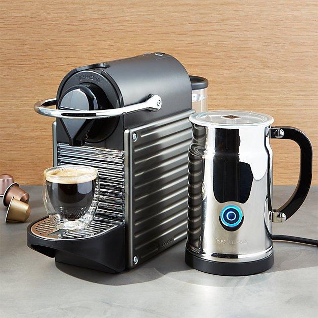 Nespresso ® Pixie Titan Bundle
