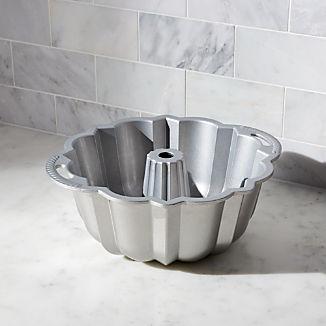 Nordic Ware ® Anniversary Bundt ® Pan