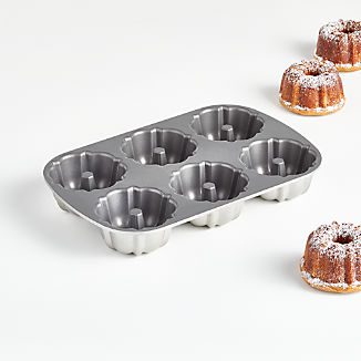 Nordic Ware ® Anniversary Bundtlette Pan