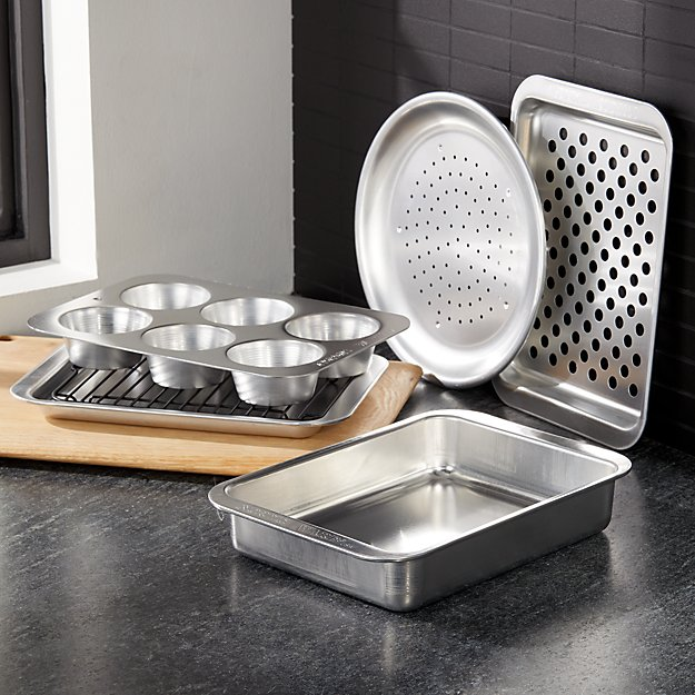 Nordic Ware 6 Pc Toaster Oven Set Crate And Barrel