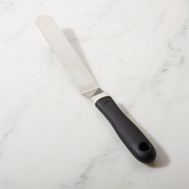OXO © Bent Icing Knife - Image 1 of 2