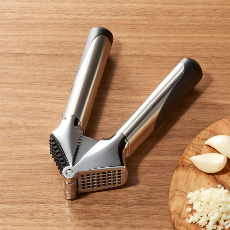 Oxo Steel Garlic Press Amp Reviews Reviews Crate And Barrel