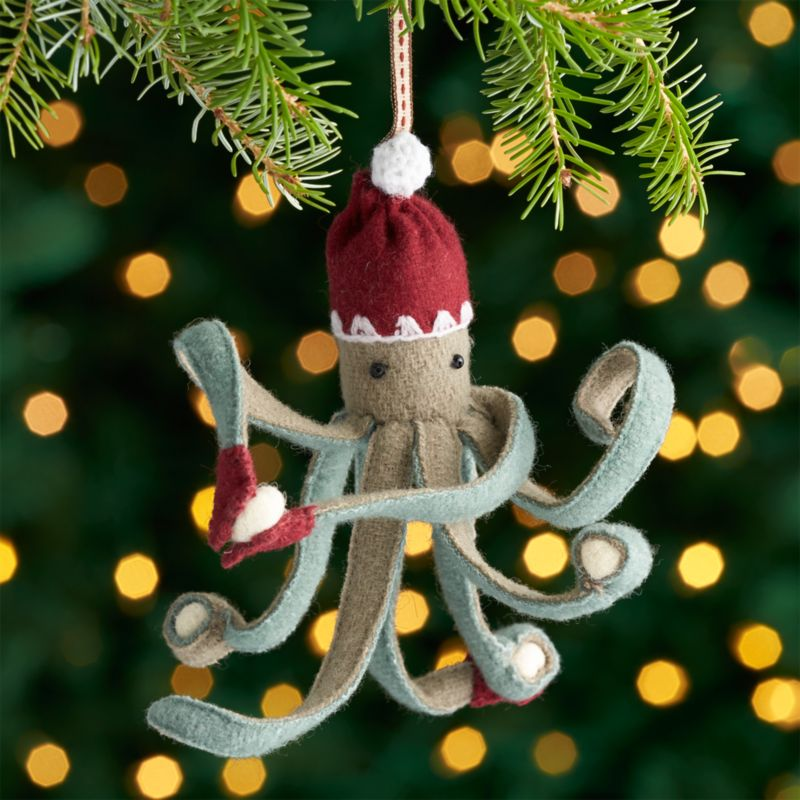 octopus ornament with snowballs - Decoration For Christmas Tree