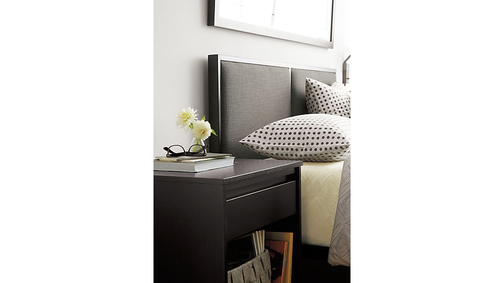 Oliver Nightstand