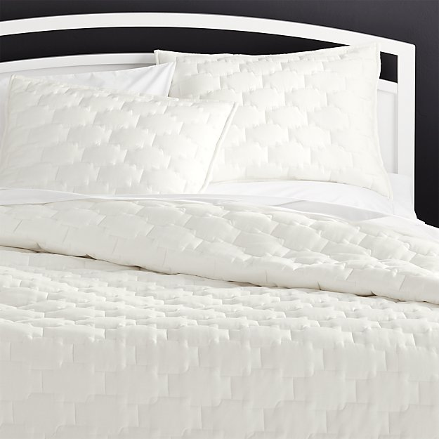 Palazzo White Quilts And Pillow Shams Crate And Barrel
