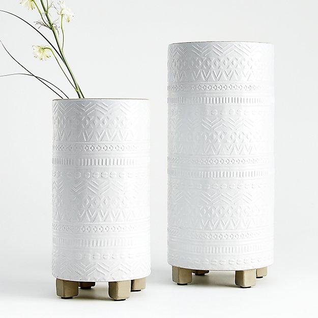 Roz Vases - Image 1 of 4