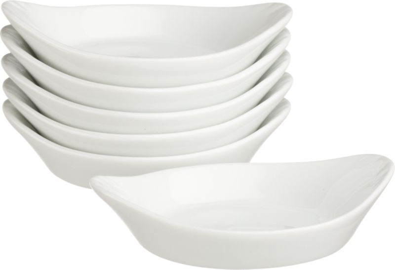 Glossy whiteware shaped for sauces, condiments and nibbles. Gratin-inspired round features flared handles.<br /><br /><NEWTAG/><ul><li>Porcelain</li><li>Dishwasher-, microwave- and oven-safe</li></ul>
