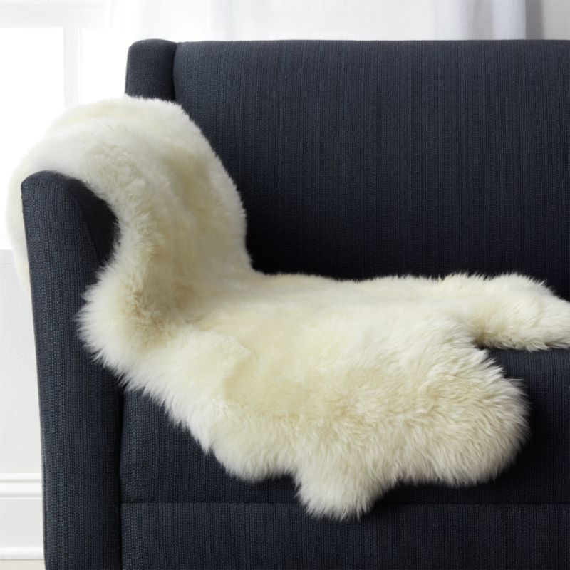 Sheepskin Throw Blanket In Throws Reviews Crate And Barrel