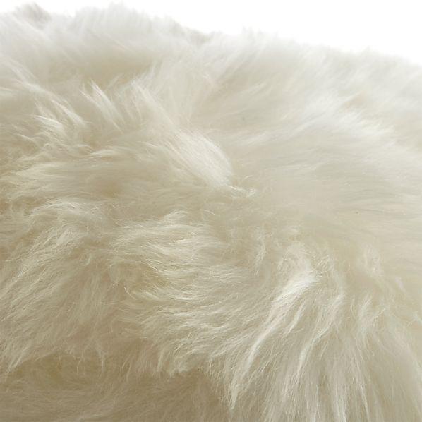 SheepskinPoufIvoryAVF17
