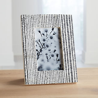 Shiraleah 4x6 Black/White Photo Frame